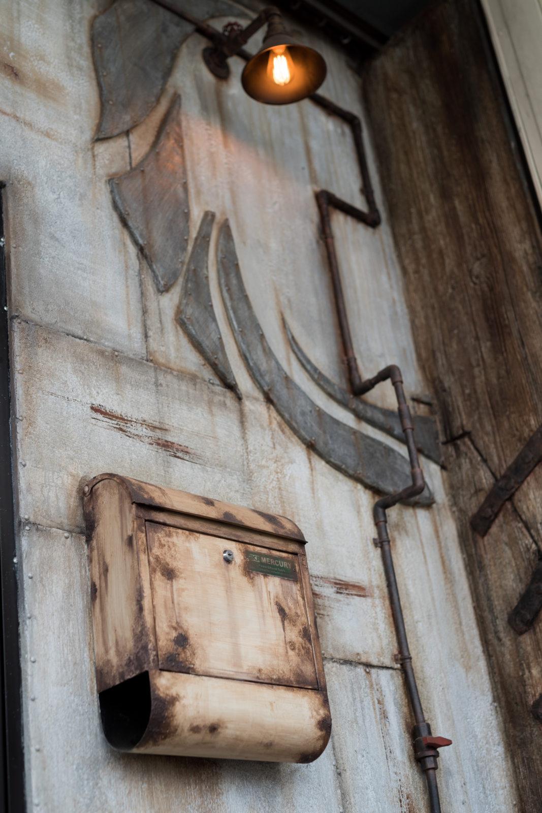 【造形モルタル】入口は造形モルタルで造作