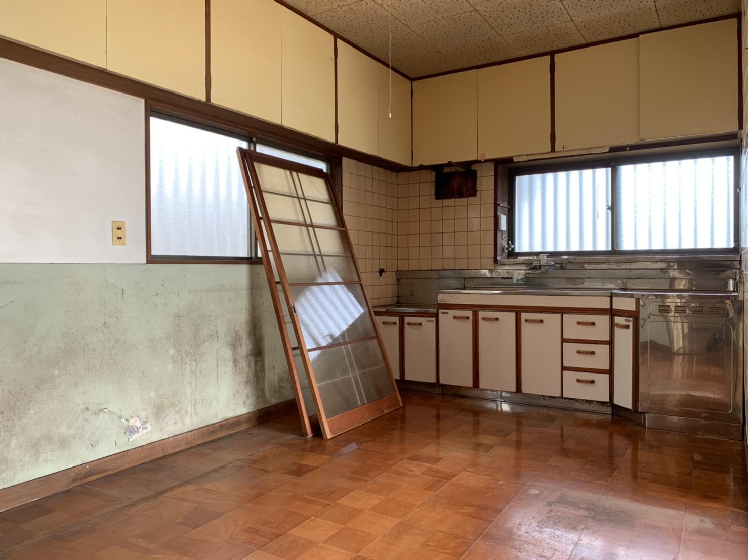 キッチン リフォーム前→ダイニングキッチンへリノベーション